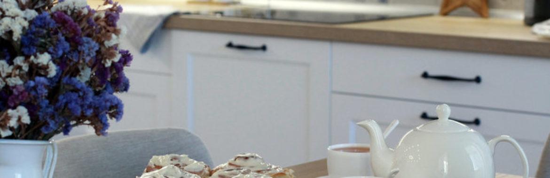 «Денег на ремонт, которого хотелось, не было». Как читатели сэкономили на обустройстве кухни. Конкурс «Моя кухня» от ГеосИдеал